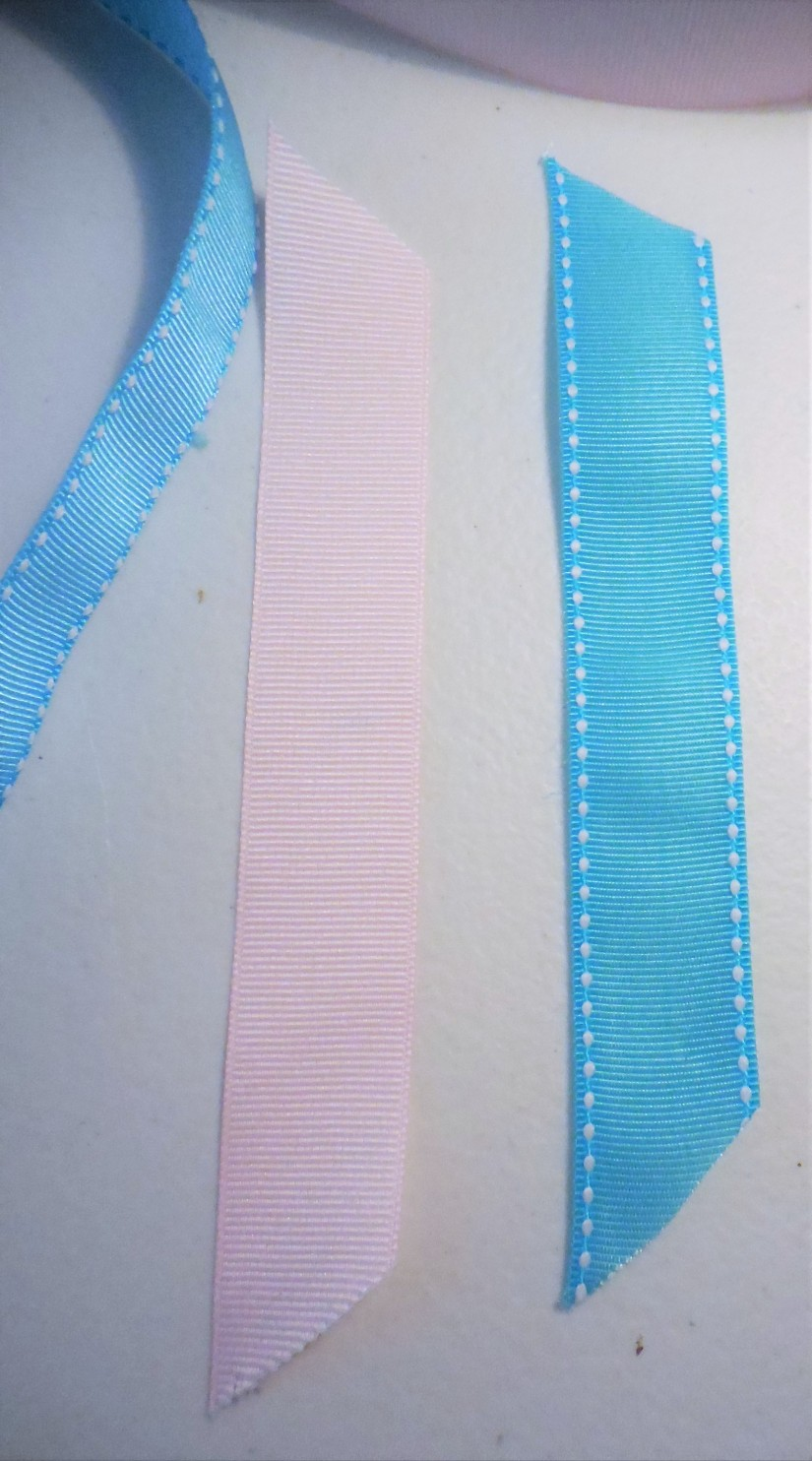 cut-6-strips-with-ribbon