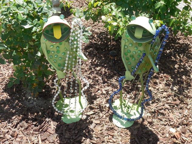 frogs-in-rose-garden