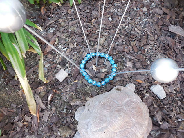 gazing-ball-stakes-crafts-gardening-how-to-5