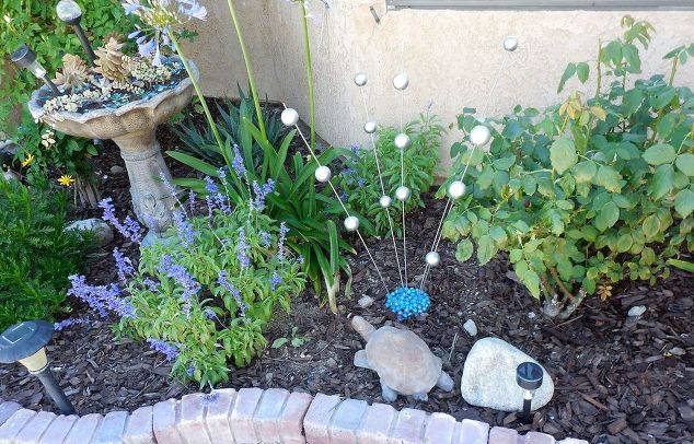 gazing-ball-stakes-crafts-gardening-how-to-6