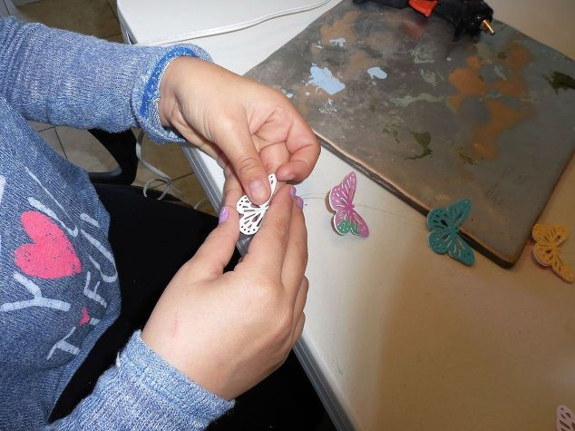mariahs-butterfly-mobile-crafts-how-to-3