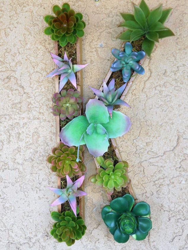 succulent-monogram-crafts-flowers-gardening-3