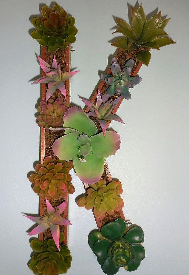 succulent-monogram-crafts-flowers-gardening