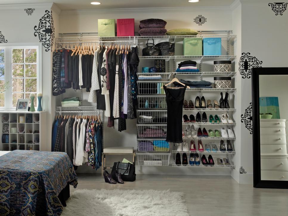 ci-closet-maid_shelf-track_white-reach-in-crop_shoe-storage_s4x3-jpg-rend-hgtvcom-966-725