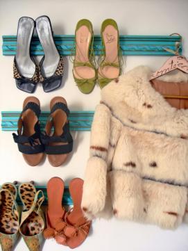 original_janet-lee-crown-molding-shoe-bar-storage-beauty_shoe-storage_hgtv_s3x4-jpg-rend-hgtvcom-966-1288