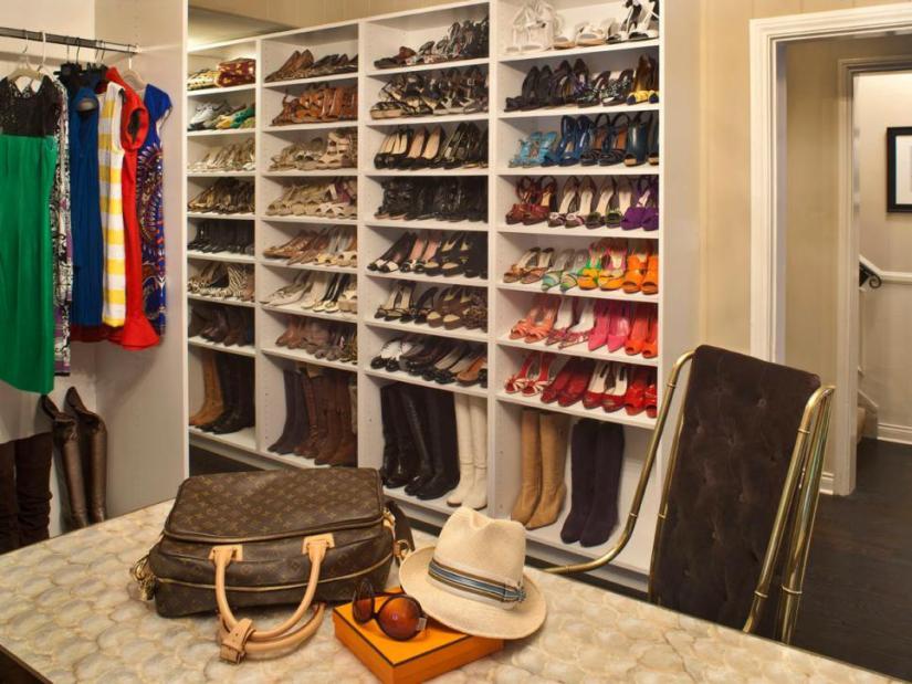 original_jennifer-dyer-melamine-shoe-shelving_shoe-storage_hgtv_s4x3-jpg-rend-hgtvcom-966-725