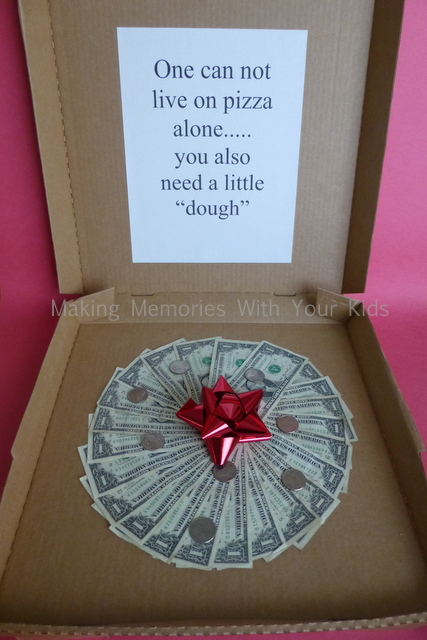 money-gift-idea-pizza-box-and-dough-1