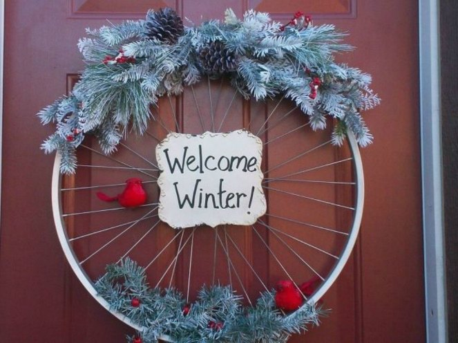 s-tired-of-christmas-wreaths-try-these-ideas-instead-crafts-wreaths