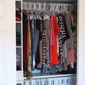 Tips On Decluttering a Closet