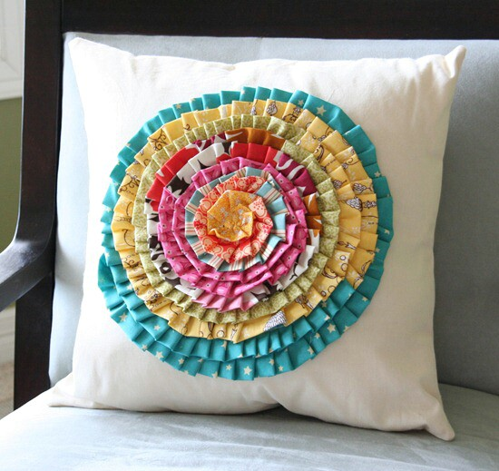4-baby-pillow-baby-clothes-projects-diyncrafts