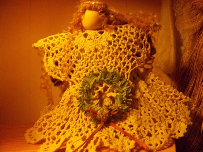 crochet-pipe-cleaner-angel