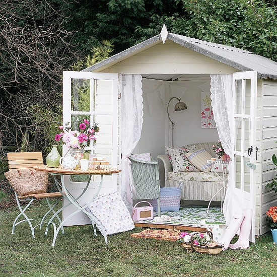 1429212494-english-country-shed (1)