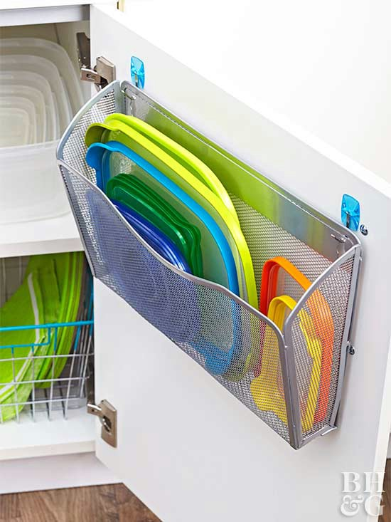 21-tupperware-lid-storage