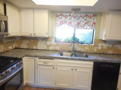 kitchen-counters-almost-done-countertops-kitchen-design-kitchen-island (1)