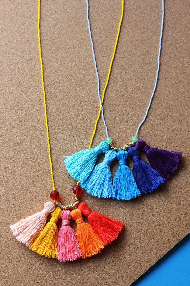 DIY-Ombre-Tassel-Necklace (1)