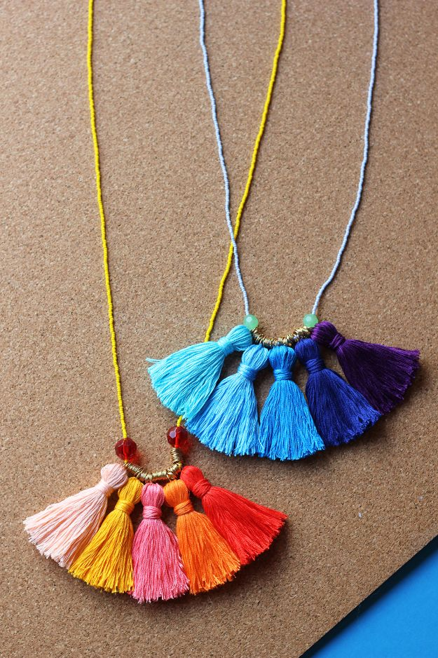 DIY-Ombre-Tassel-Necklace (1)