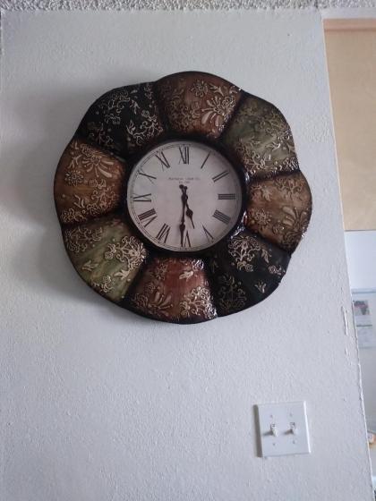 krystal unfinished clock