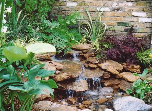 92403c064dbd801b0922218be1a05ca0--outdoor-water-features-garden-water-features