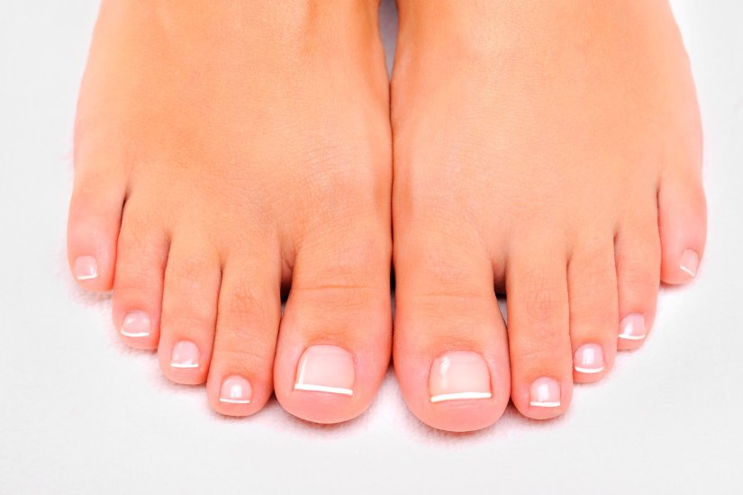 02-bald-subtle-signs-disease-feet-reveal-14292820-ValuaVitaly.jpg